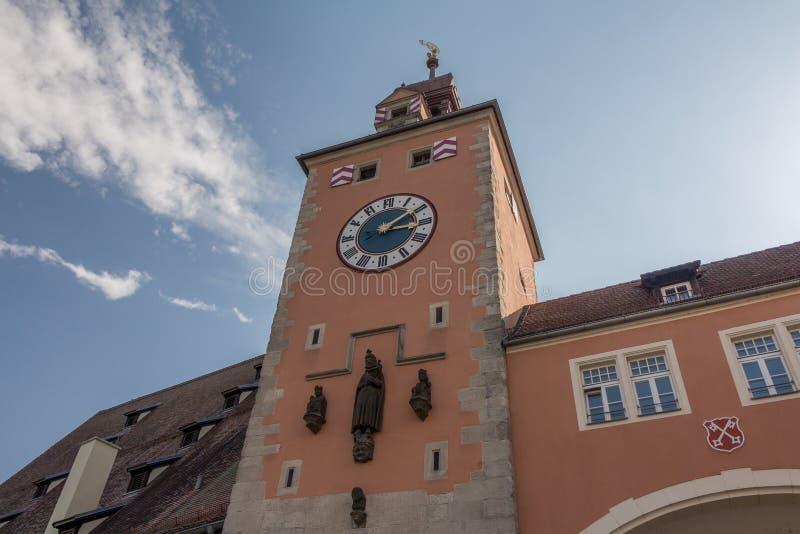 Regensburg-Glockenturm am Tageslicht lizenzfreies stockbild