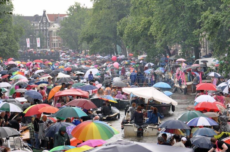 Regenschirme bei GayPride 2010 stockfoto