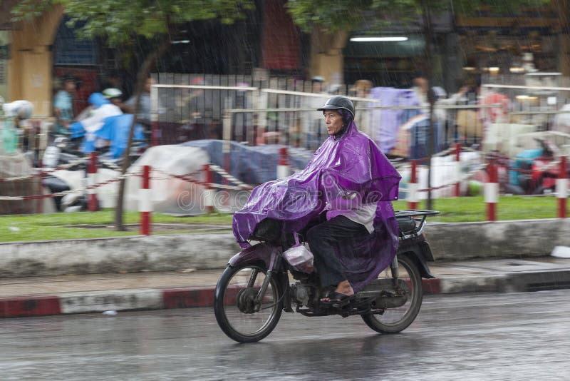 Regenseizoen in Vietnam, Zuidoost-Azië stock foto's