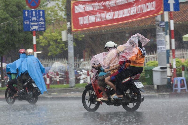 Regenseizoen in Vietnam, Zuidoost-Azië stock afbeelding
