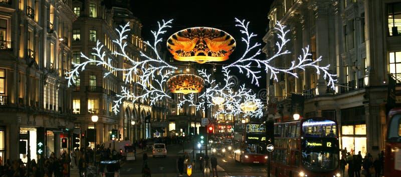 2013 Regent Street med julgarnering arkivfoton