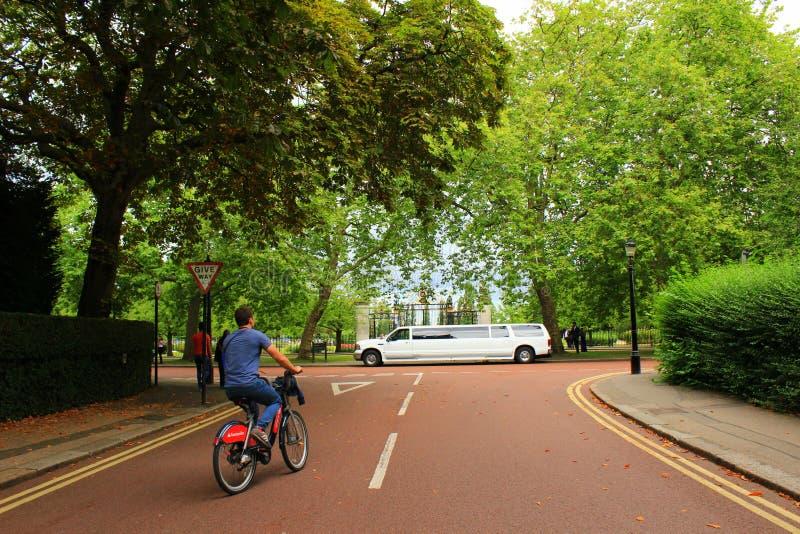 Regenter parkerar London England royaltyfria foton