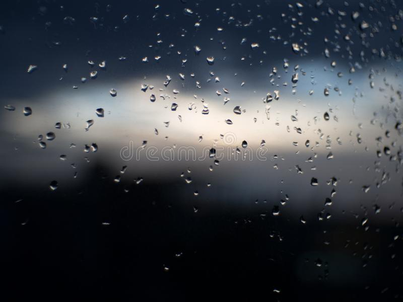 Regentropfenunschärfebilder sind bokeh lizenzfreie stockfotos