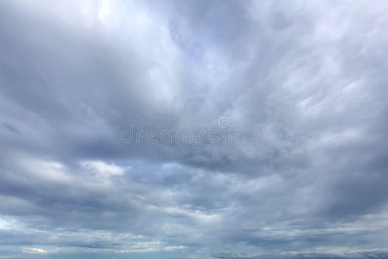 Is Regenwolken stock afbeelding