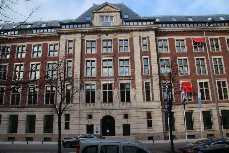 Regeringskantoor van het bureau voor planning, cultureel planbureau CPB in Bezuidenhoutseweg in Den Haag The Hague in het Net royalty-vrije stock afbeeldingen