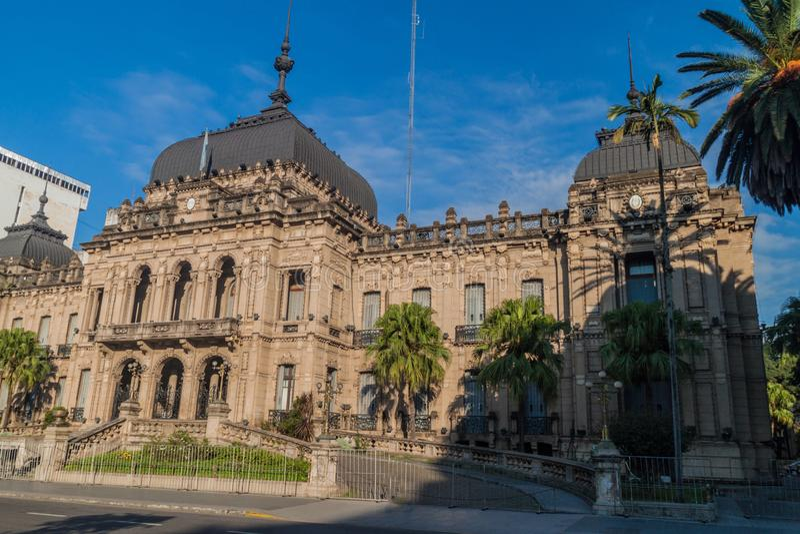 Regeringslott i San Miguel de Tucuman royaltyfri fotografi