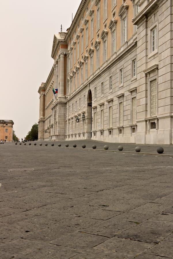 Reggia二卡塞尔塔,意大利 10/27/2018 宫殿的外在主要门面 库存照片