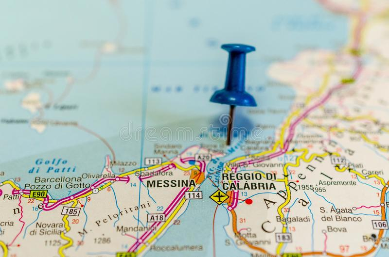 Reggio Calabria sur la carte photos stock
