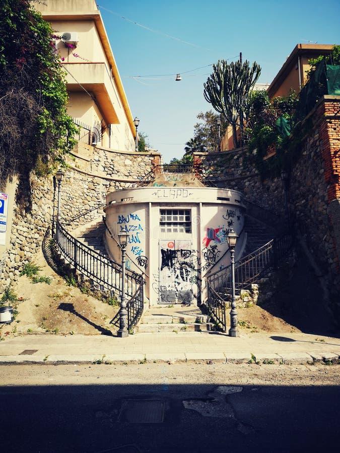 Reggio Calabria terrasserad stad royaltyfri fotografi