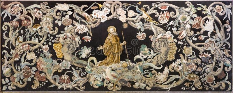 Reggio Emilia - la mosaïque en pierre Pietra Dura avec le moine saint à la prière en Di Santo Stefano de Chiesa d'église photographie stock libre de droits