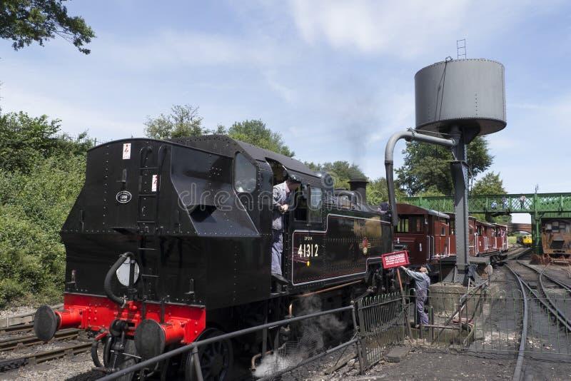 Região central de Londres e locomotiva de tanque escocesa não 4 da classe 2MT 2-6-2 imagens de stock