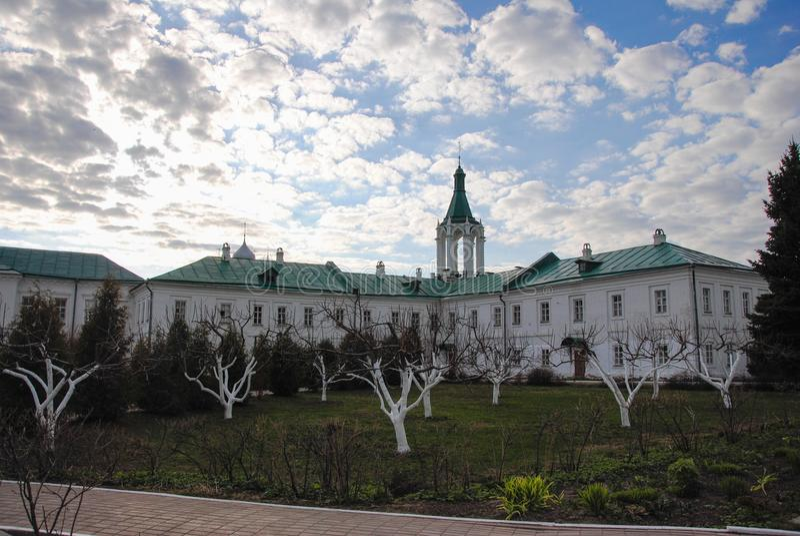 Região de Yaroslavl, a cidade de Rostov, monastério, igreja fotos de stock