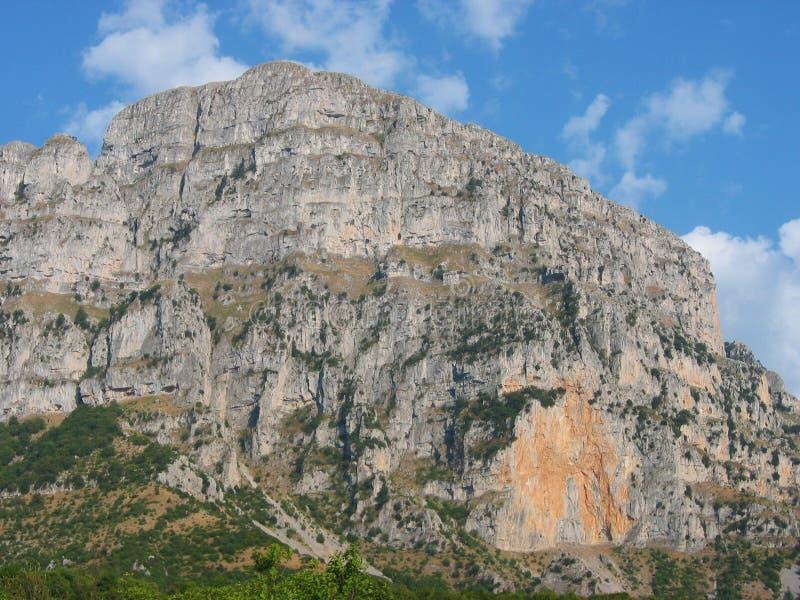 Região Grécia de Zagorochoria Epirus do pico de Astraka foto de stock