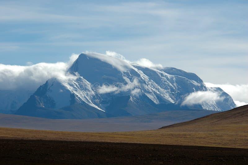 A região selvagem e as montanhas tibetanas fotografia de stock