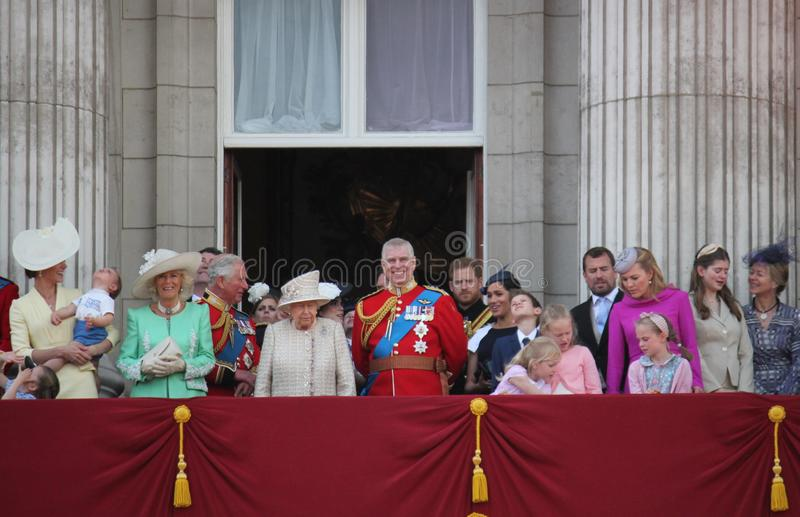 Regina Elizabeth London 8 giugno 2019 britannico - Meghan Markle Prince Harry George William Charles Kate Middleton immagini stock