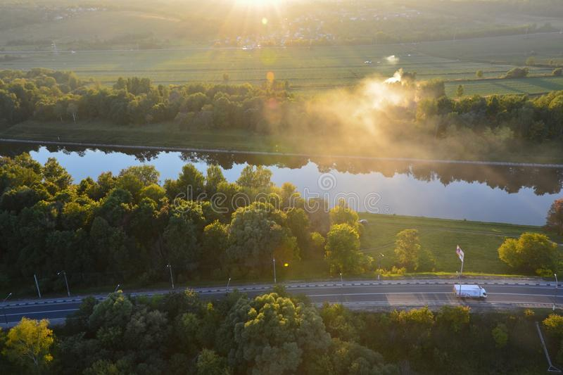Region Russlands, Moskau - 4. September 2014: Panoramische Draufsicht von Moskau-Kanal im Dmitrov-Bezirk lizenzfreie stockbilder
