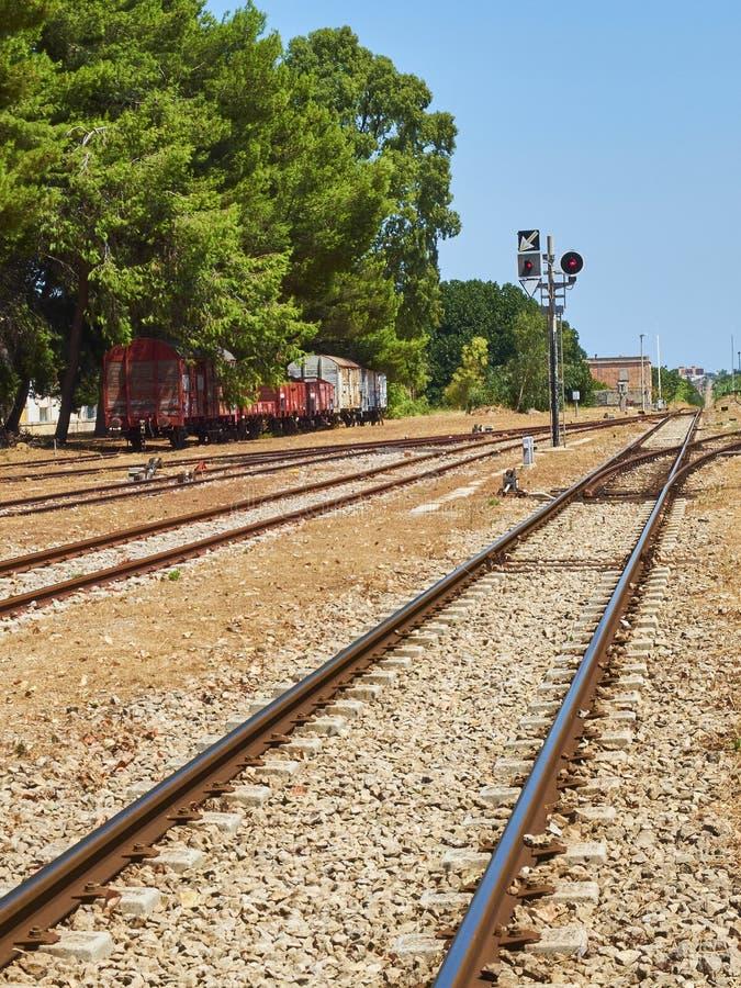 Regional italiensk järnväg av sydliga Italien royaltyfri foto