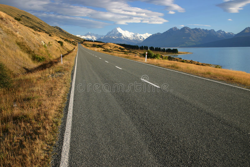 Download Regional Road At Lake Pukaki Stock Photo - Image: 5232000