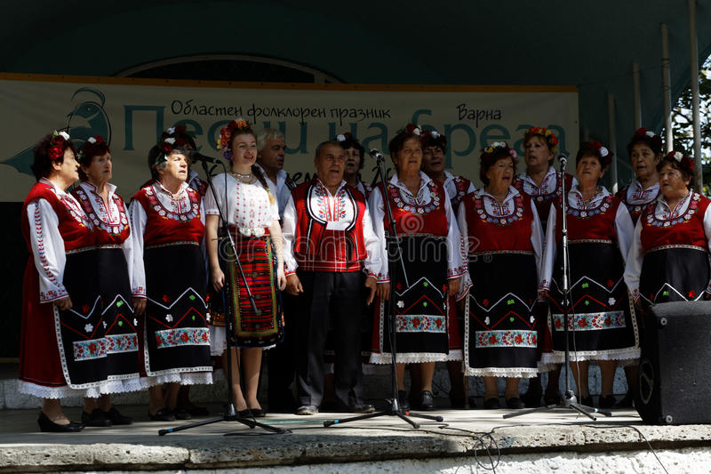 Regionale folklore fest in Varna, Bulgarije stock afbeeldingen