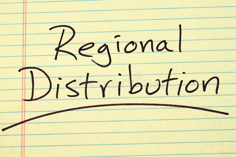 Regionale Verteilung auf einem gelben Kanzleibogenblock stockfotografie