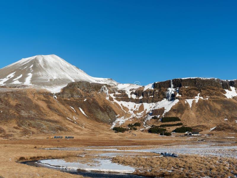 Regione ad ovest dell'Islanda nell'inverno, penisola di Snaefellsness, area di Hraunhofn, veduta dalla strada 54 fotografia stock libera da diritti