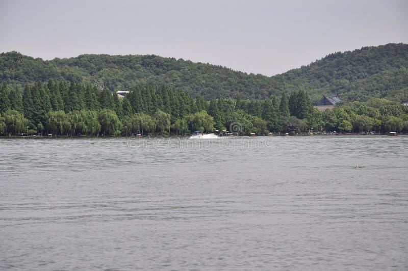 Regione scenica di vista del lago ad ovest famoso da Hangzhou immagine stock libera da diritti