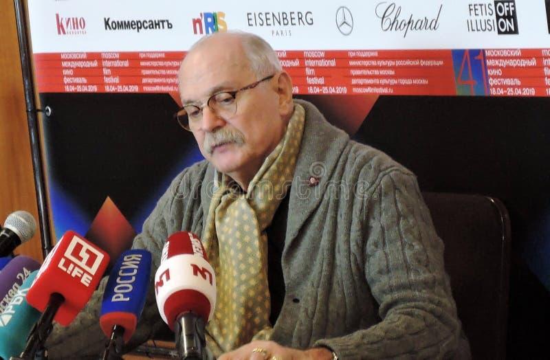 Regisseur Nikita Mikhalkov bij persconferentie royalty-vrije stock foto