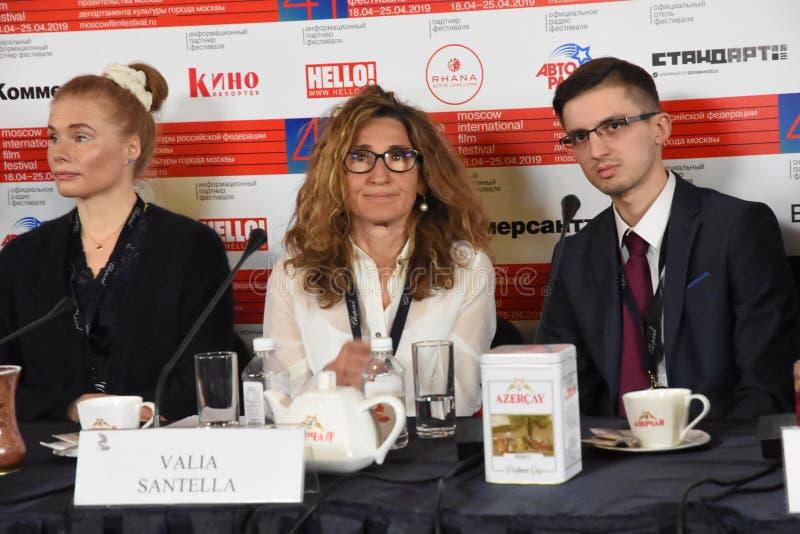 Regisseur Valia Santella bij persconferentie royalty-vrije stock afbeeldingen