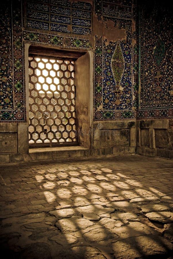 Registan结构上详细资料,撒马而罕, Uzbe 免版税库存照片