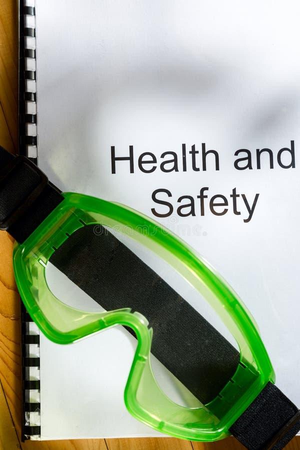 Register met beschermende brillen stock fotografie
