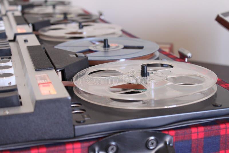 Registrador retro viejo del audio del carrete imágenes de archivo libres de regalías