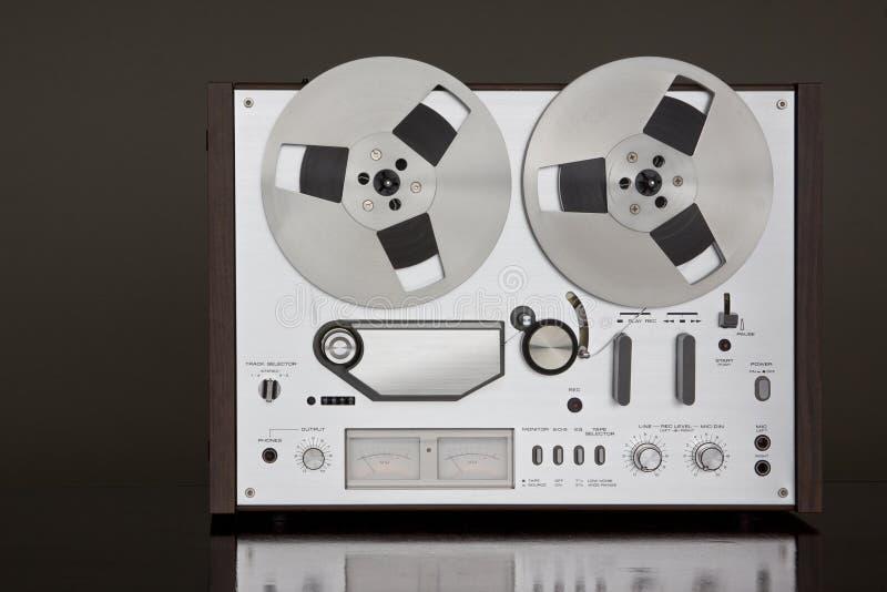 Registratore stereo bobina a bobina della piastra di registrazione dell'annata fotografie stock