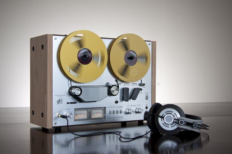 Registratore stereo bobina a bobina della piastra di registrazione dell'annata fotografia stock