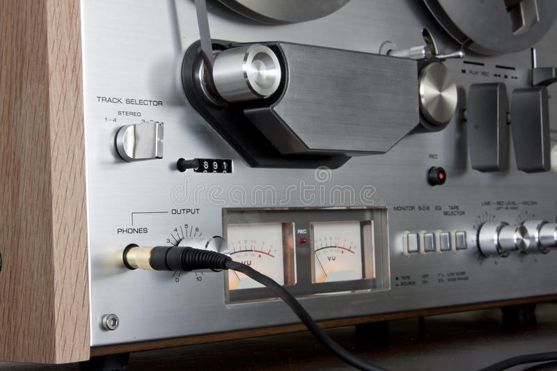 Registratore stereo bobina a bobina della piastra di registrazione dell'annata immagini stock