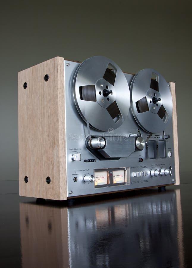 Registratore stereo bobina a bobina della piastra di registrazione dell'annata immagini stock libere da diritti