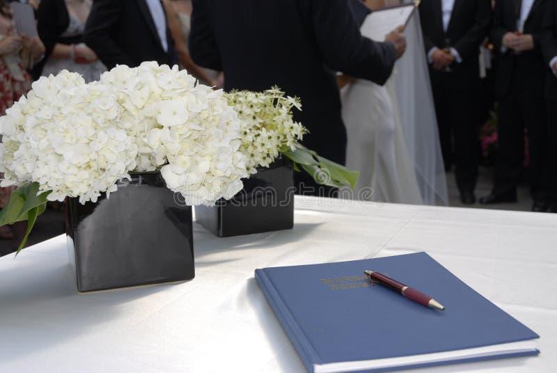 Registrazione di cerimonia nuziale fotografia stock