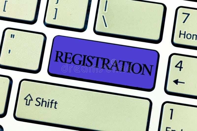 Registrering för ordhandstiltext Affärsidéen för handling eller processen av att registrera eller som registreras, prenumererar royaltyfria foton
