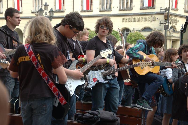 Registro de Guinness do mundo das guitarra fotografia de stock