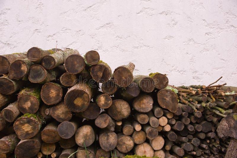 Registro de madera empilado fotos de archivo