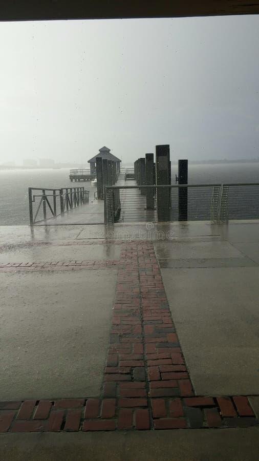 Regn i centrum arkivfoto