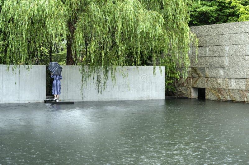 Regn i Kanazawa D T Suzuki muzeum, Japan arkivfoto