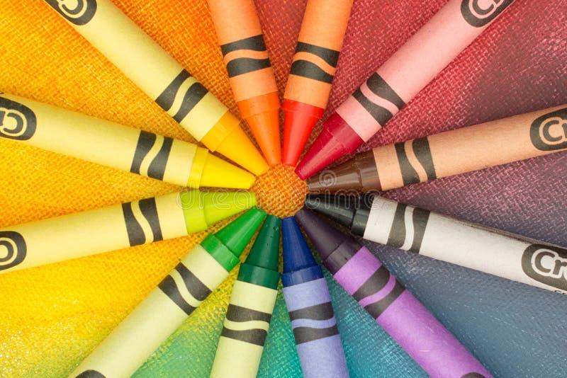 Regnbåge av crayons royaltyfria foton