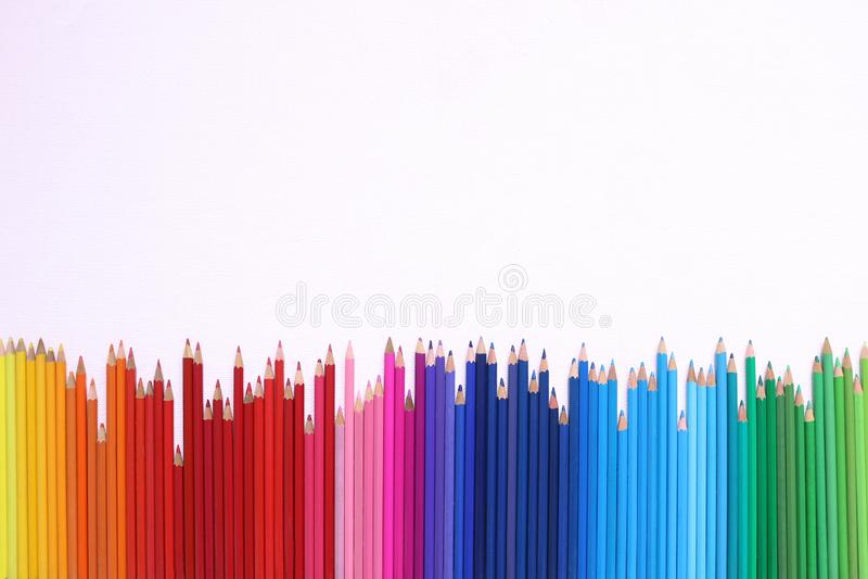 Regnbågeblyertspennor royaltyfri fotografi