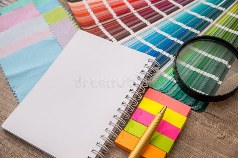 Regnbågeprövkopian färgar katalogen arkivfoton