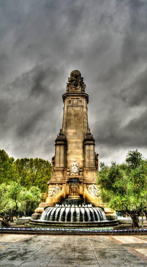 Regnen Sie Ansicht zu Plaza de Espana in der Mitte von Madrid spanien stockbilder