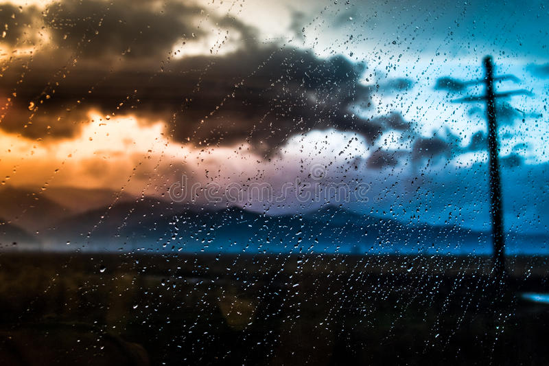 Regnig dag i trasylvania royaltyfria bilder