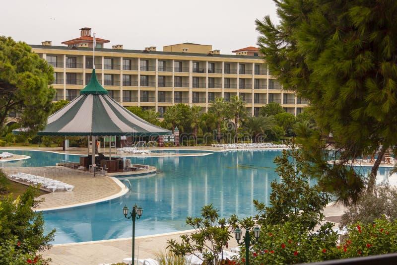 Regniga oktober i ett hotell i Turkiet fotografering för bildbyråer