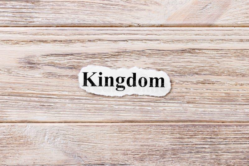 Regno della parola su carta Concetto Parole del regno su un fondo di legno fotografie stock