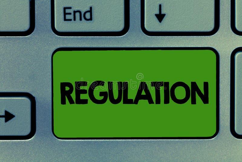 Regolamento concettuale di rappresentazione di scrittura della mano La foto di affari che montra la legge o la direttiva della re immagine stock