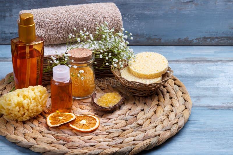 Regolazione arancio di benessere e della stazione termale fotografia stock libera da diritti
